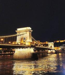 Nights next to Chain Bridge #BudapestCha