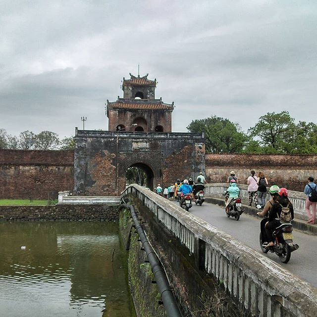 Touring the Imperial city of Hue - Ngyuen Dynasty 1802-1945