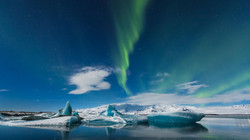 jokulsarlon-glacier-lagoon-iceland-northern-lights