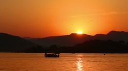 Sunset Lake Pichola , Udaipur