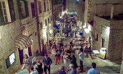 Exploring streets of Dubrovnik - While Walking - V__#BackpackEurope #BackapckCroatia
