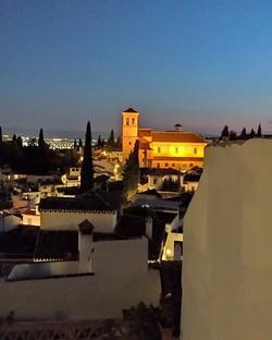 Walk back Home - Granada_._