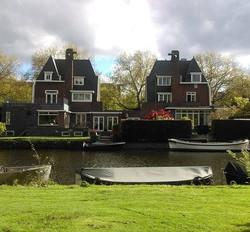 Lovely Amsterdam - Long Walks