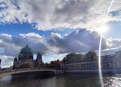God's light shining_Budapest - Prague -