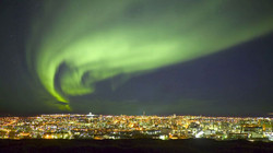 Northern_Lights_Reykjavik