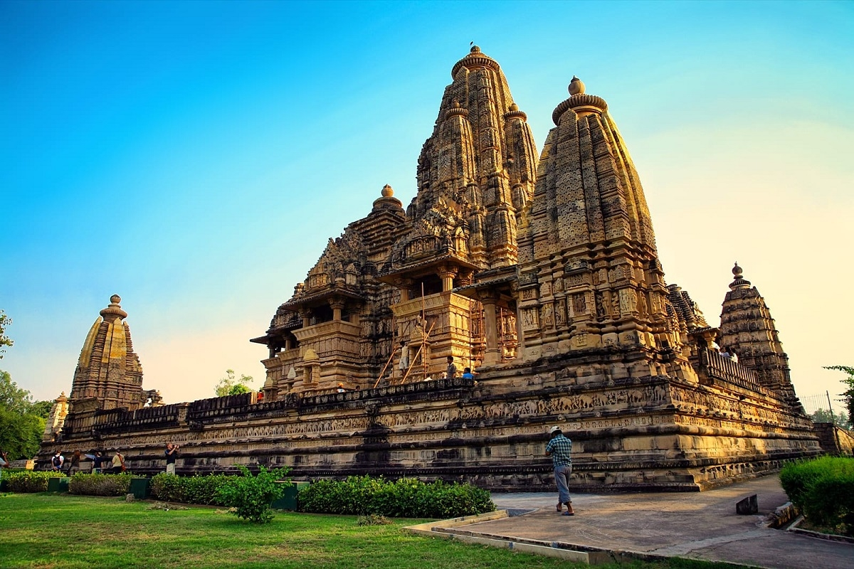 2_12_48_16_Khajuraho-Today_1_H@@IGHT_800