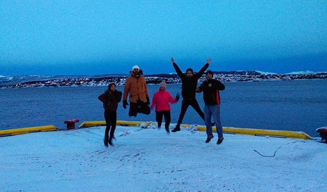 Jumping Jhapak - en route Tromsø