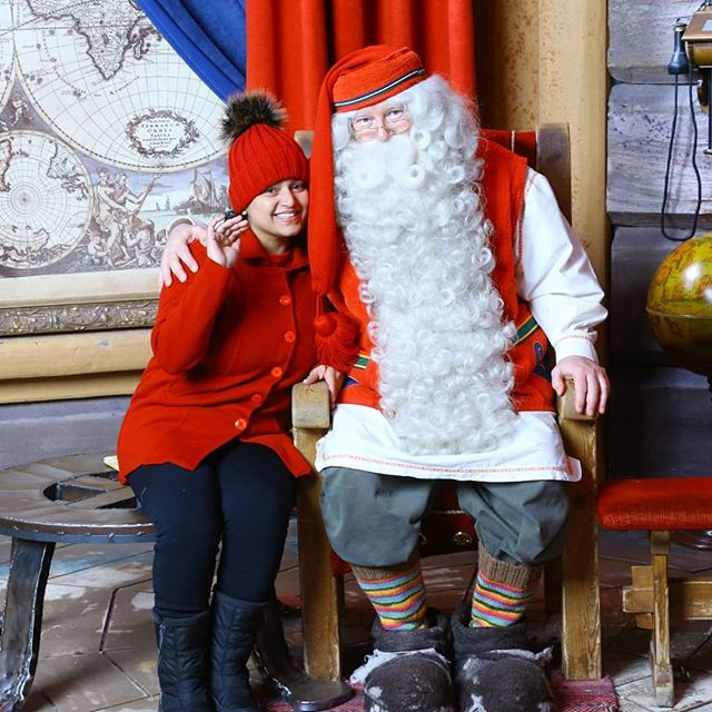 Smiles and blessings - Sonali Joshi meeting Santa Claus. _sonali