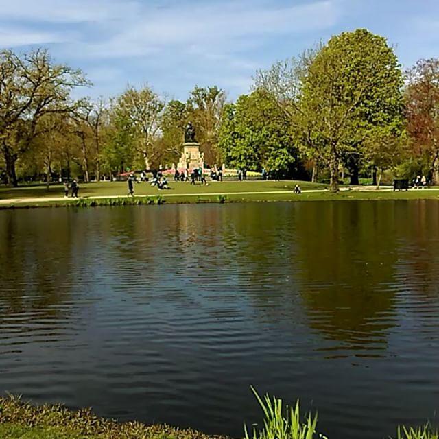 Sunday Morning - Vondelpark