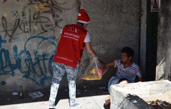 Voluntariado-Entrega-de-canastas-navidad