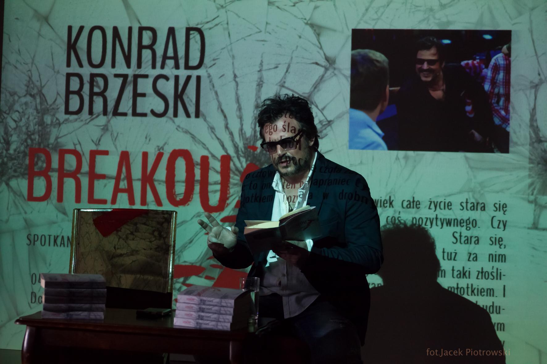 Breakout Bartosz Opania