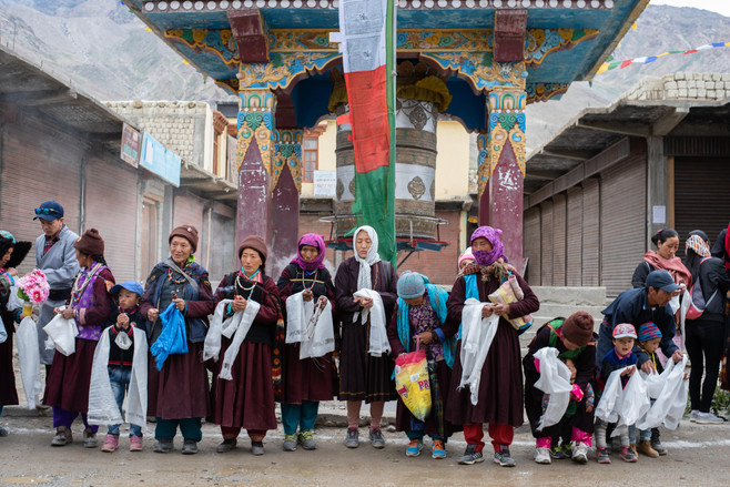 Waiting for His Holiness' arrival - Padum, Zanskar - July 2018