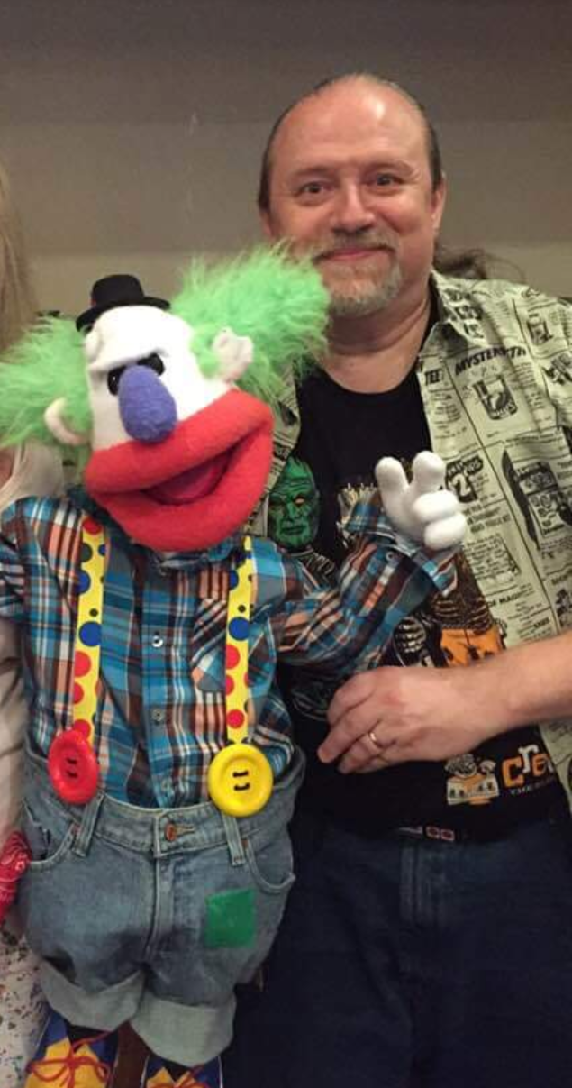 Joseph Franklin with Dundles the Clown after showcasing him on the VH stage!