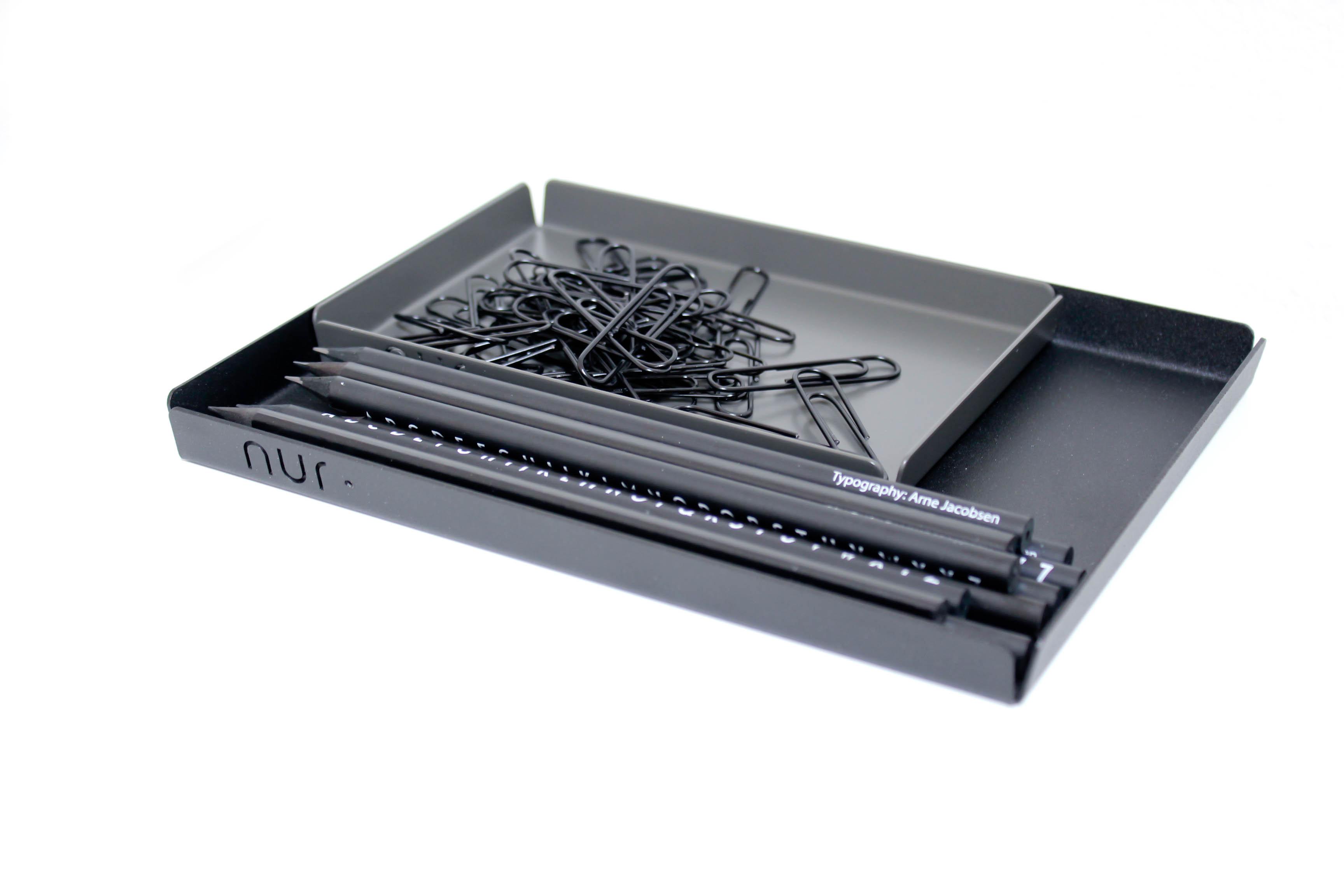 Bakke i sort fra Nur Design Studio