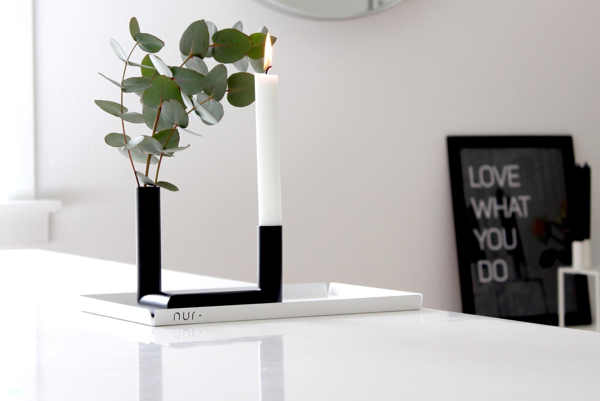 Nur Pipeline sort lystestage og vase
