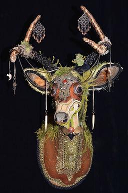 Deer trophy art, roseblade art, bead sculpture