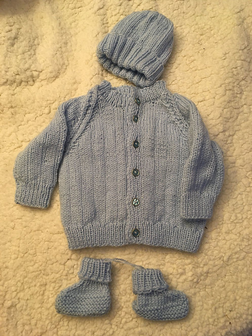 Hand Knitted Baby Outfit 3-6 months