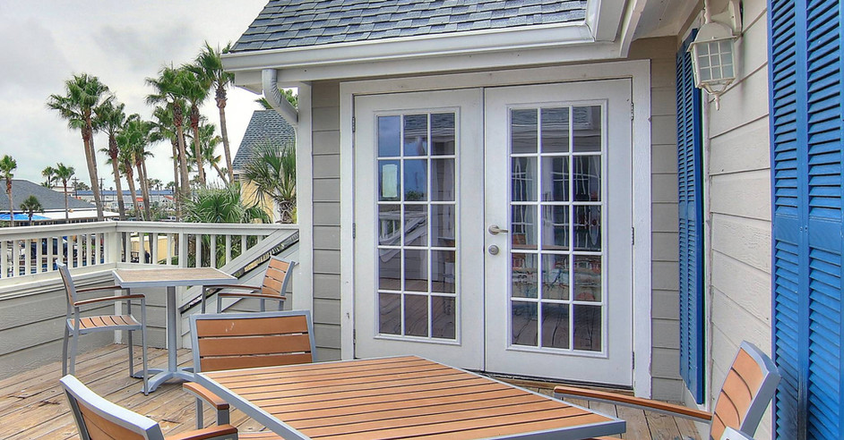 Shared Patio with views of Port A Shopping!