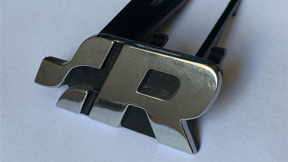 Emblema .:R Racing Volkswagen com Suporte para Grade