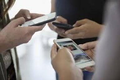 texting phones.jpg
