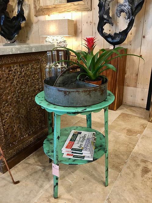 Table d'appoint dentelle en métal