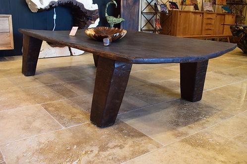 Table basse Naga ancienne