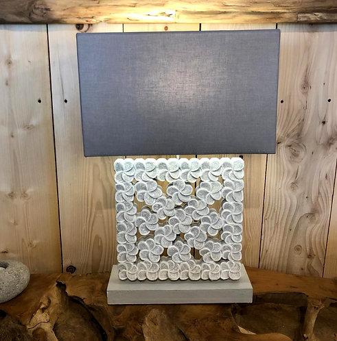 Lampe bois sculptée BB 30x30