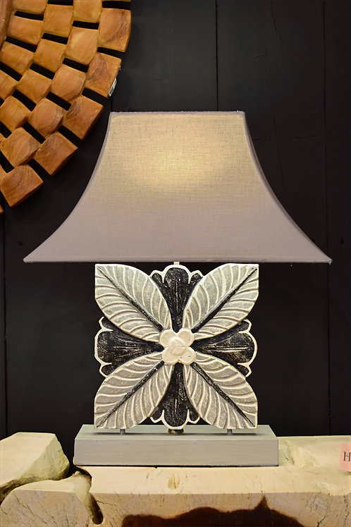 Lampe bois sculptée  FLEUR