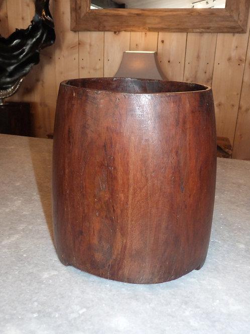Pot ancien en bois