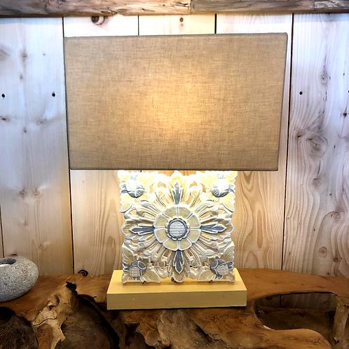 Lampe bois sculptée PRANG