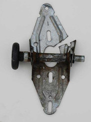 Broken Hinge & Roller