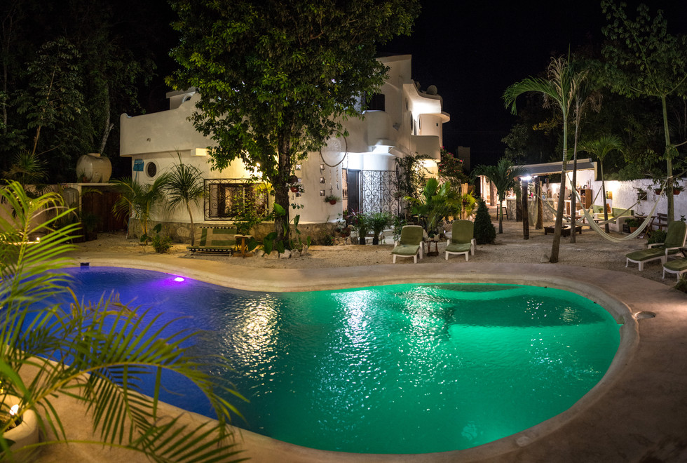 I loved the pool and all the decor. Lots of good restaurants nearby. Its a good base to look around and taxis are very cheap. The staff are very helpful about where to find whatever you need. The little bar in the evening is perfect for socialising.Relaxing, comfortable and warm.