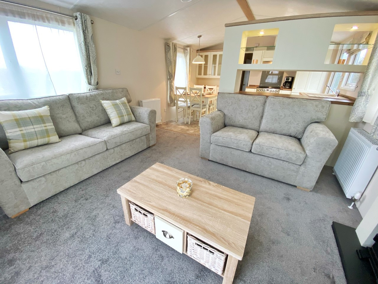 Lounge to Kitchen 2