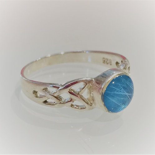 Sterling Silver Round cast ring set with resin