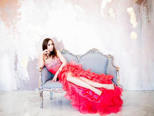 Эффектное коралловое платье