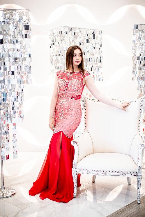 Роскошное красное платье