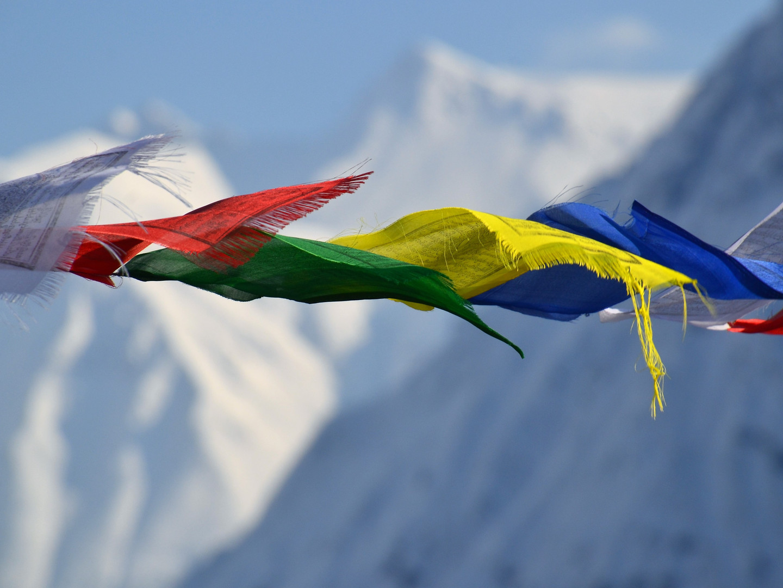 prayer flags & mountain_Lanur.jpg
