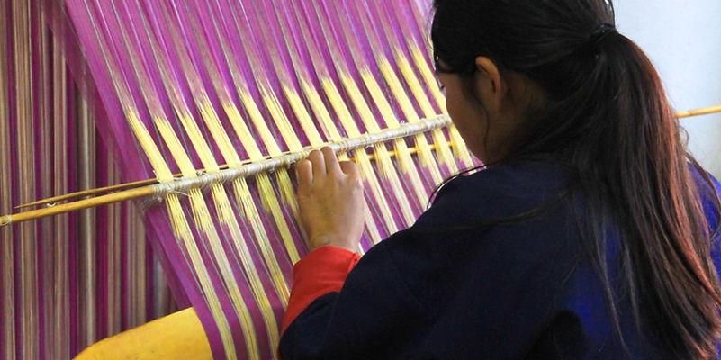 Hand loom weaving Pasmina, Nepal