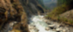 Trail along the Kali Ganaki river on Annapurnacircuit, Nepal