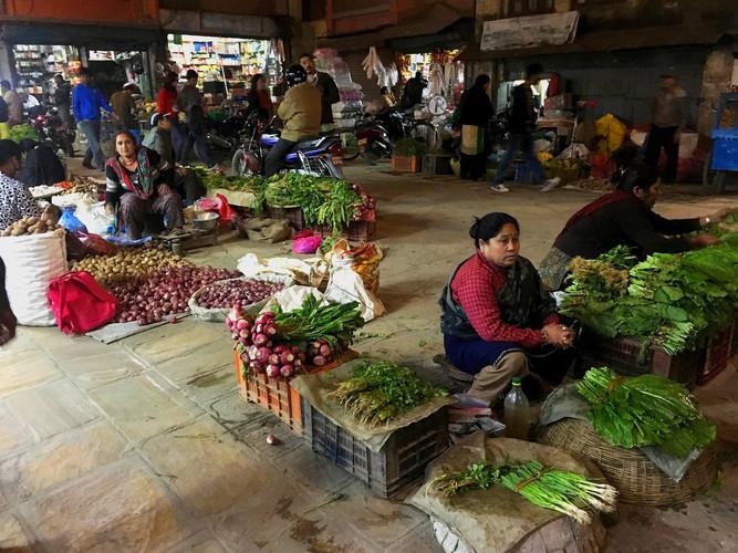 Bhaktapur night market_edited.jpg