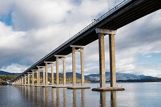 tasman-bridge-3426614_1920.jpg