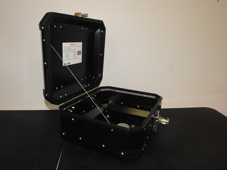 30-Liter Black Powder-Coated Top Box