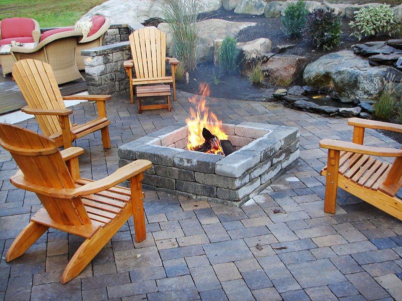 outdoor firepit 2.jpeg