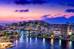 Crete_Rethymnon_at_night_2-1030x687