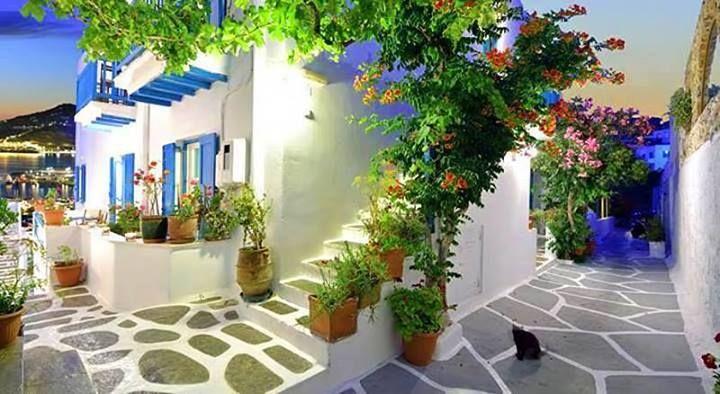 Mykonos-Alleys