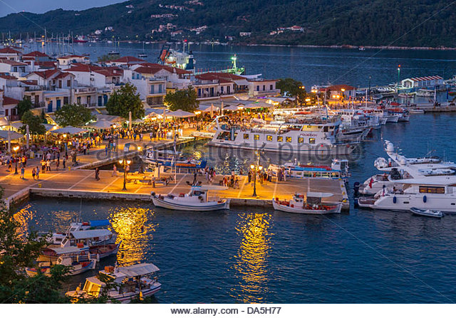 skiathos-town-harbour-at-night