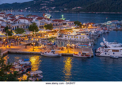 skiathos-town-harbour-at-night