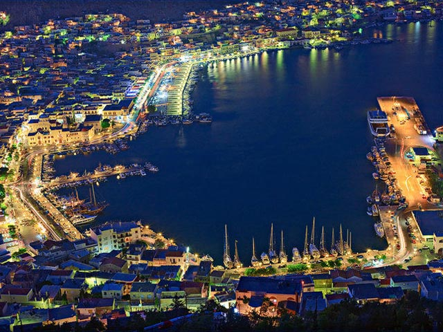Kalymynos-harbour at night