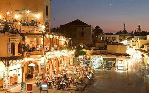 Rhodes-old-town-at night