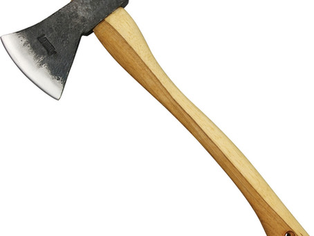 Review of the Marbles Camp Axe by our Axebassador Rachel Lorae